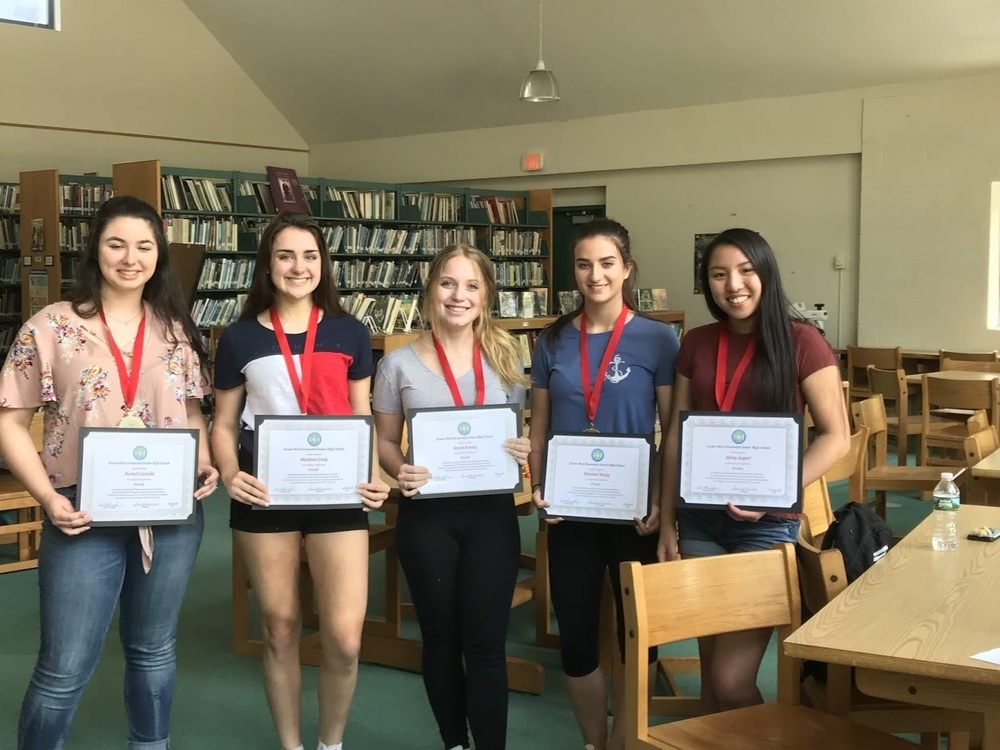 6 of our Seniors receive the Seal of Bi-literacy