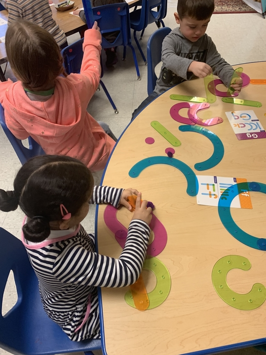 Connecting shapes and building letters